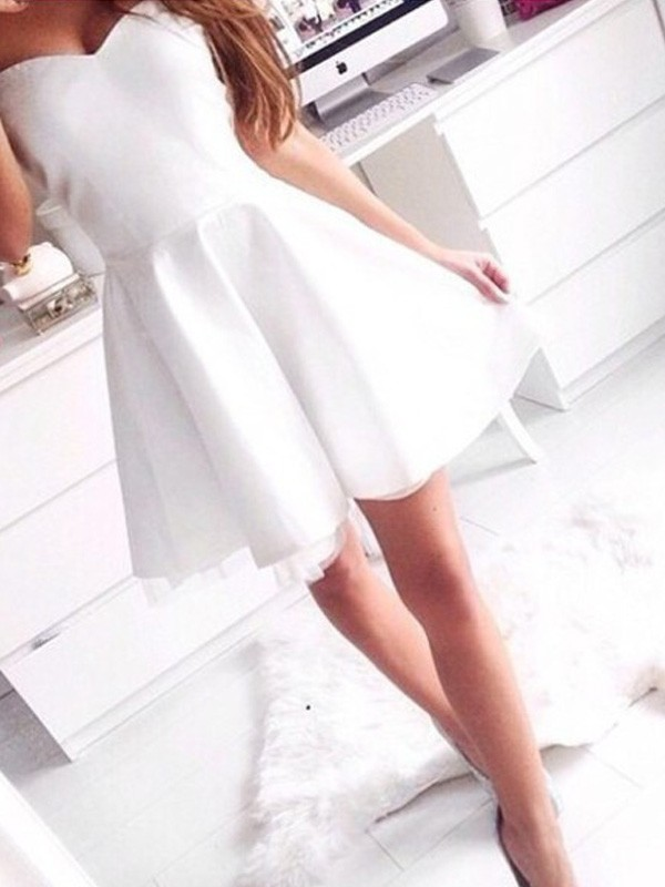 A-Line/Princess Beading Sweetheart Sleeveless Short/Mini Satin Dresses