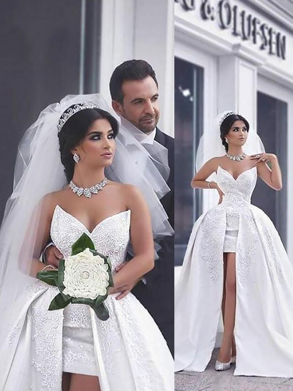 Ball Gown Beading Sweetheart Sleeveless Chapel Train Satin Wedding Dresses