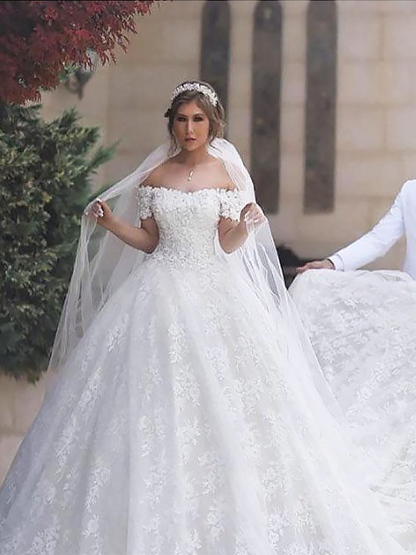 Ball Gown Off-the-Shoulder Short Sleeves Court Train Tulle Wedding Dresses