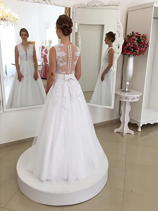 Trumpet/Mermaid Scoop Sleeveless Floor-Length Lace Wedding Dresses